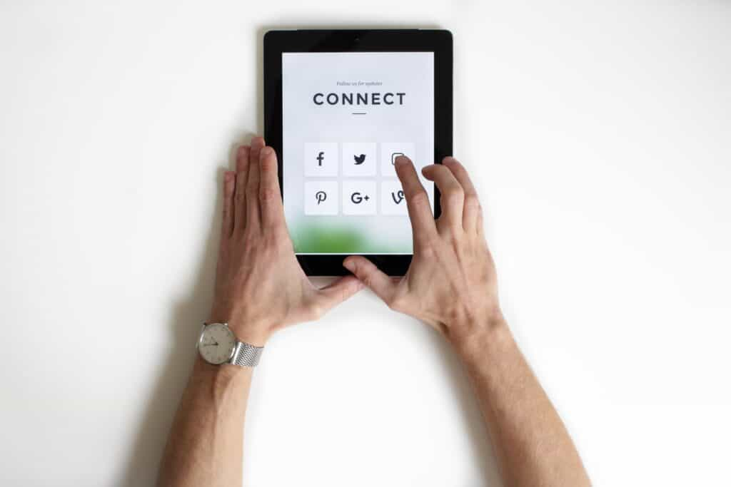 6 Benefits of Running Social Media Contests