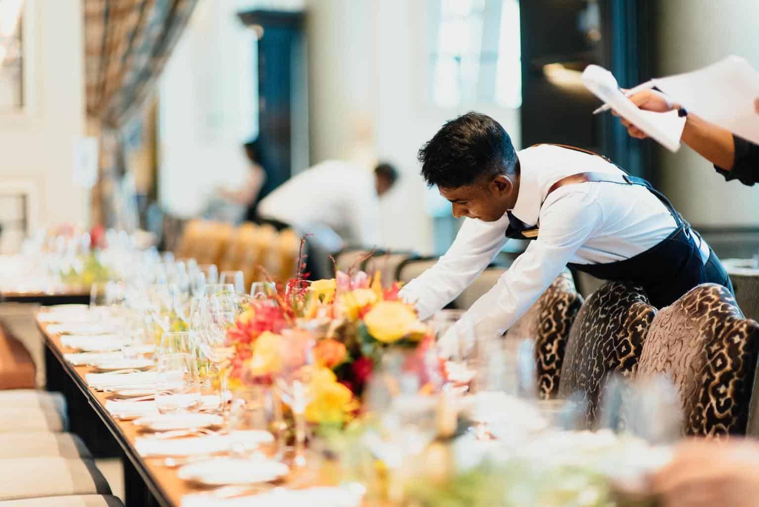 Ways the Hospitality Industry Can Take Advantage of LinkedIn