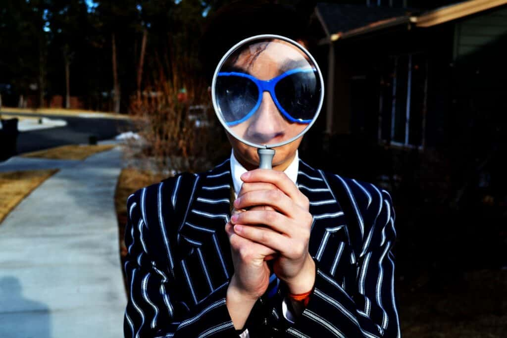 influencer search how to search for influencers with a magnifying glass