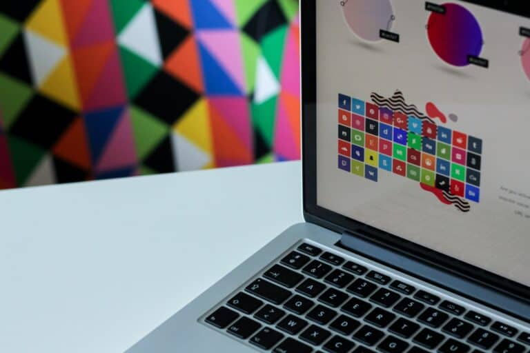 The 13 Best Infographic Maker and Graphics Tools
