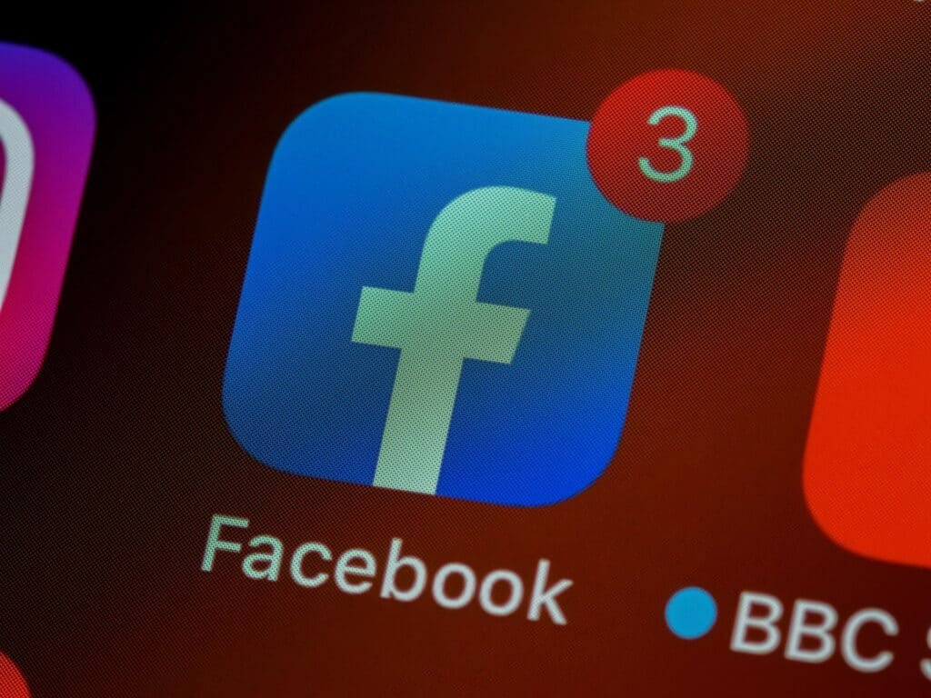 How to Use Facebook to Generate Website Traffic