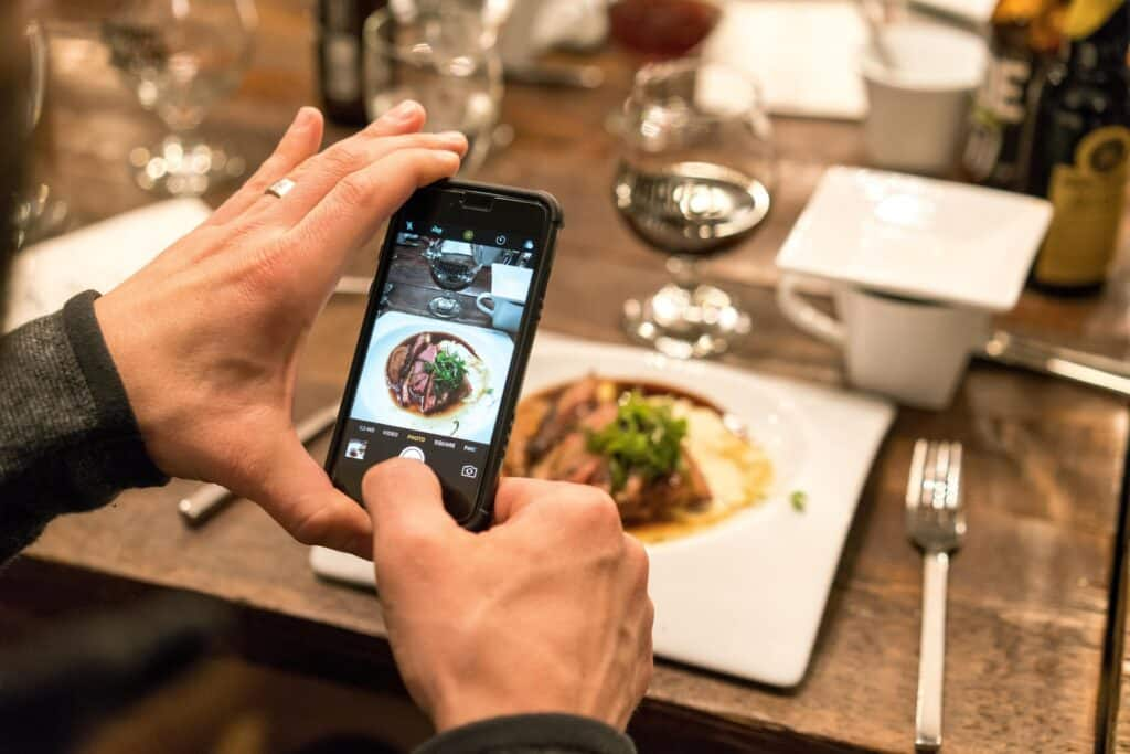 How to Become an Instagram Influencer? This 12-Step Guide with Data Will Help You