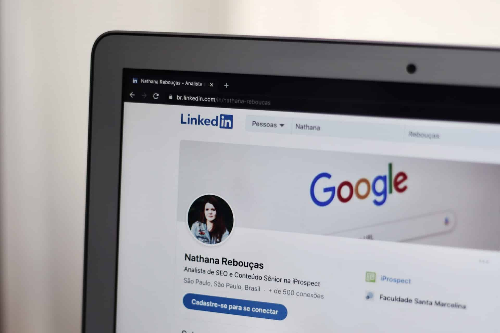 What is a LinkedIn InMail and How to Leverage Them